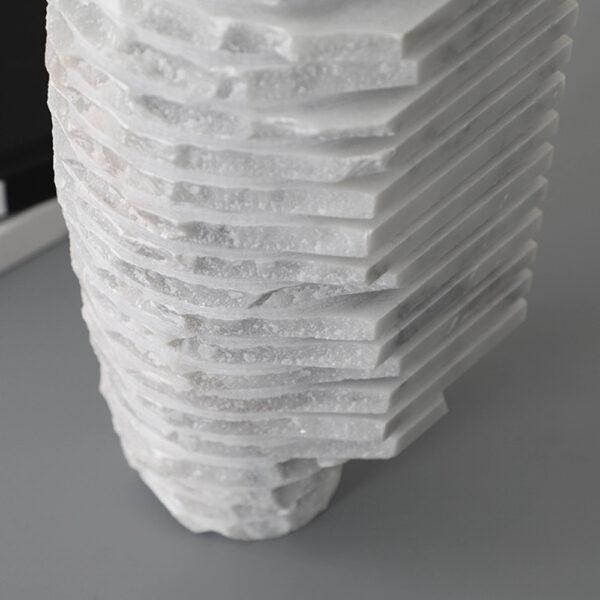 Wazon z bialego marmuru 4