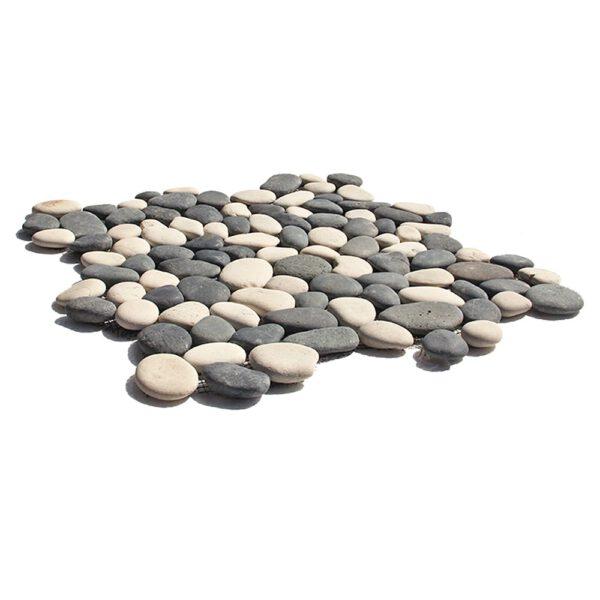 Bialo czarne otoczaki mozaika 2